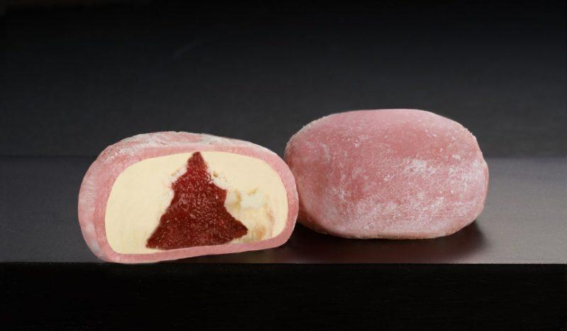 Strawberry Cheese Mochi Cut Inside-982347